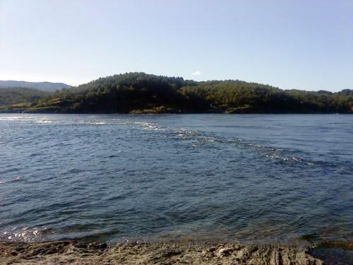 så kallad bore uppstår i fiskereportaget saltströmmen ett naturfenomen i fisketidningen fiskemagasinet.se