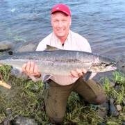en lax på 10 kg i kusinträff med fiskelycka på fisketidning