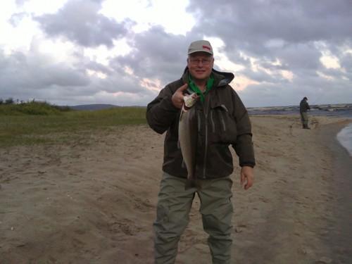 glas whisky och en cigarr i rickard tog en trippel i stensån på fisketidning