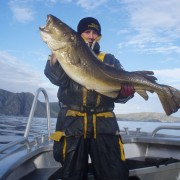 team poseidon i söröya - 2011 med en torsk över 15 kg i fisketidningen