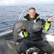 team poseidon i söröya - 2011med en havskatt på 12 kg i fisketidningen