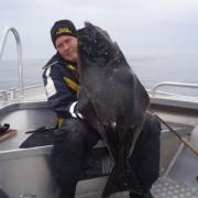 team poseidon i söröya - 2011 visar 12 kg en fin matfisk i fisketidning