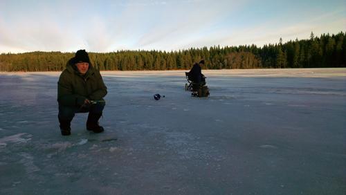 fiskereportage om pimpelfiske efter röding i fisketidning