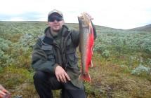 Micke Berg från Piteå med en vacker röding på 2 kg tagen mellan Ammarnäs & Tärnaby.